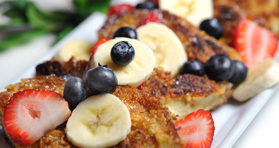 Great LA Breakfast- Crunchy French Toast- Egg Brioche, crunchy corn flakes, topped with fresh fruit and bananas.